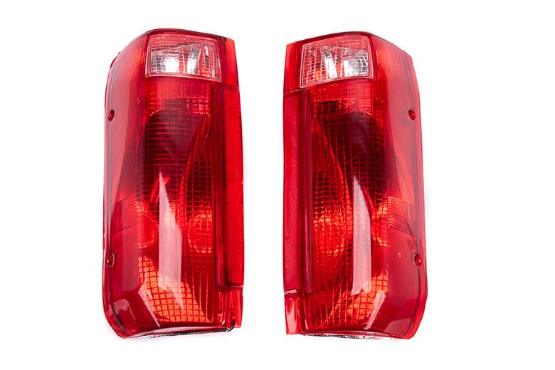 FD PU 89-96 F150-F250 92-96 BRONCO 80-96 TALIGHT RED RIGHT LEFT